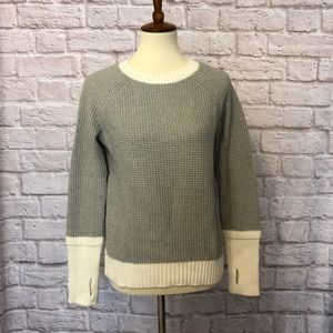 Colorblock Thumbhole Sweater